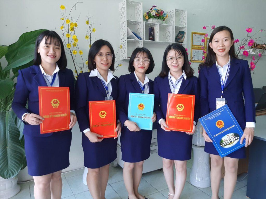 Đội ngũ nhân viên chuyên thành lập công ty tại Quảng Ngãi
